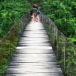 Jembatan Buat <b>Enam</b> Orang