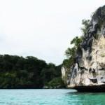 Di Sela Karang Teluk <b>Kabui</b>