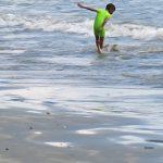 Riuh Rendah Pantai <b>Holtekamp</b>